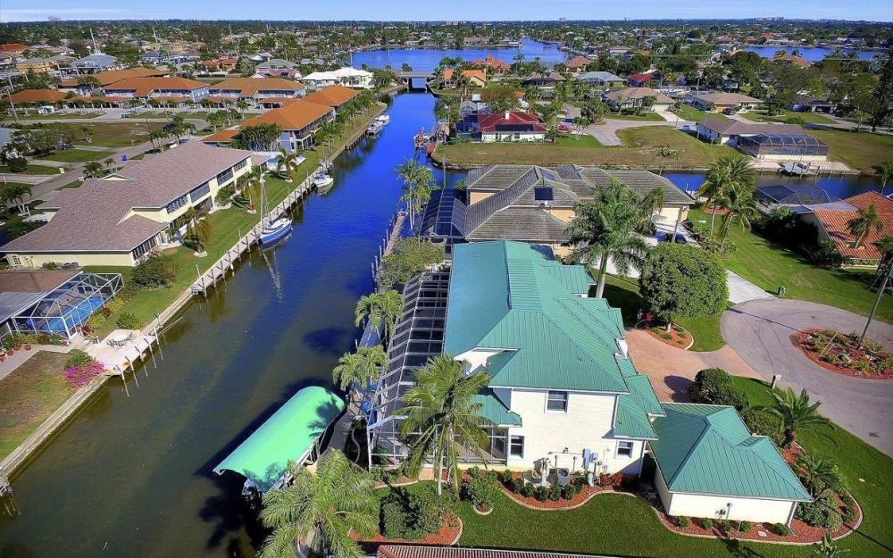4901 SW 8th Ct, Cape Coral - Luxury Home For Sale 47255182