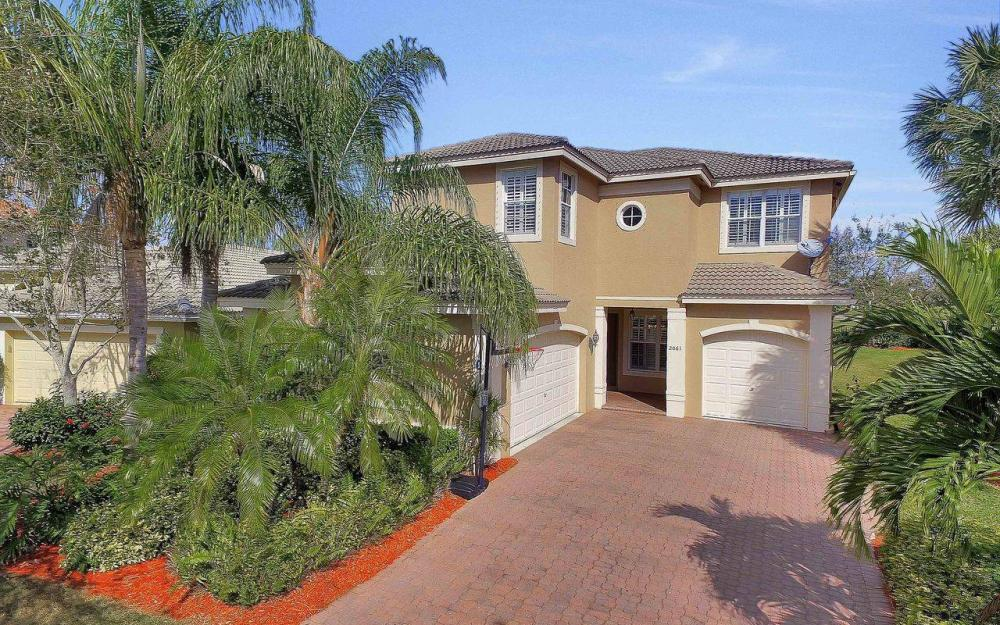 2061 Isla De Palma Cir, Naples - Home For Sale 63308853