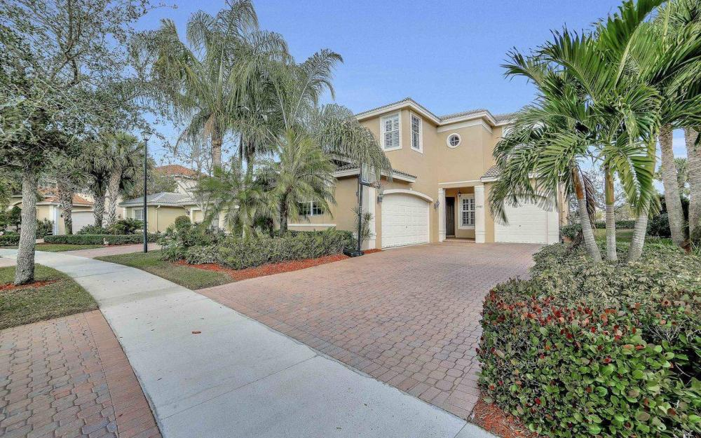 2061 Isla De Palma Cir, Naples - Home For Sale 215093463