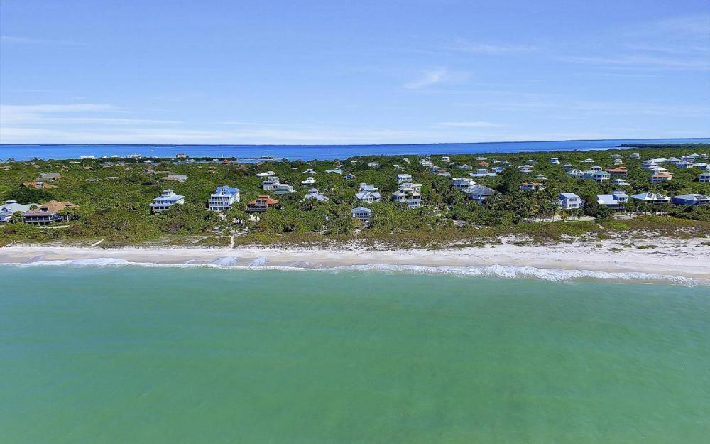 560 Gulf Ln, Captiva - Beach Life Home For Sale 1938154271