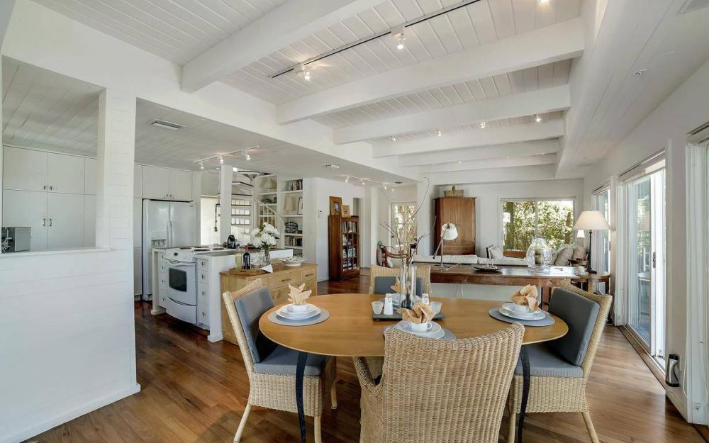 560 Gulf Ln, Captiva - Beach Life Home For Sale 1148908051