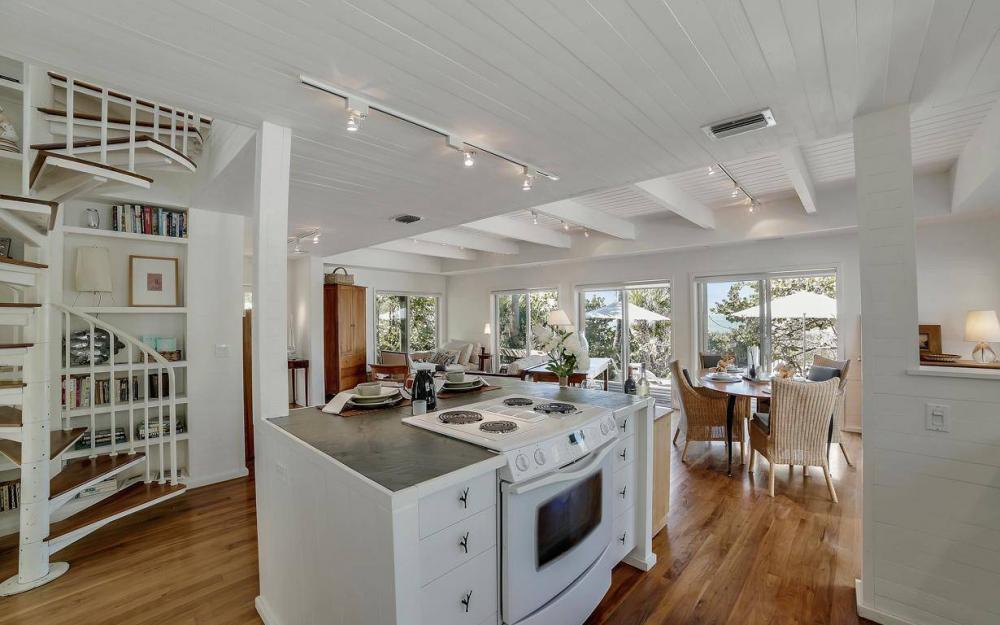 560 Gulf Ln, Captiva - Beach Life Home For Sale 943155428