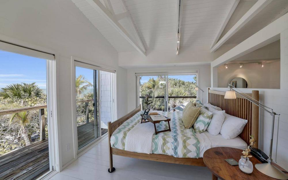 560 Gulf Ln, Captiva - Beach Life Home For Sale 1158058979