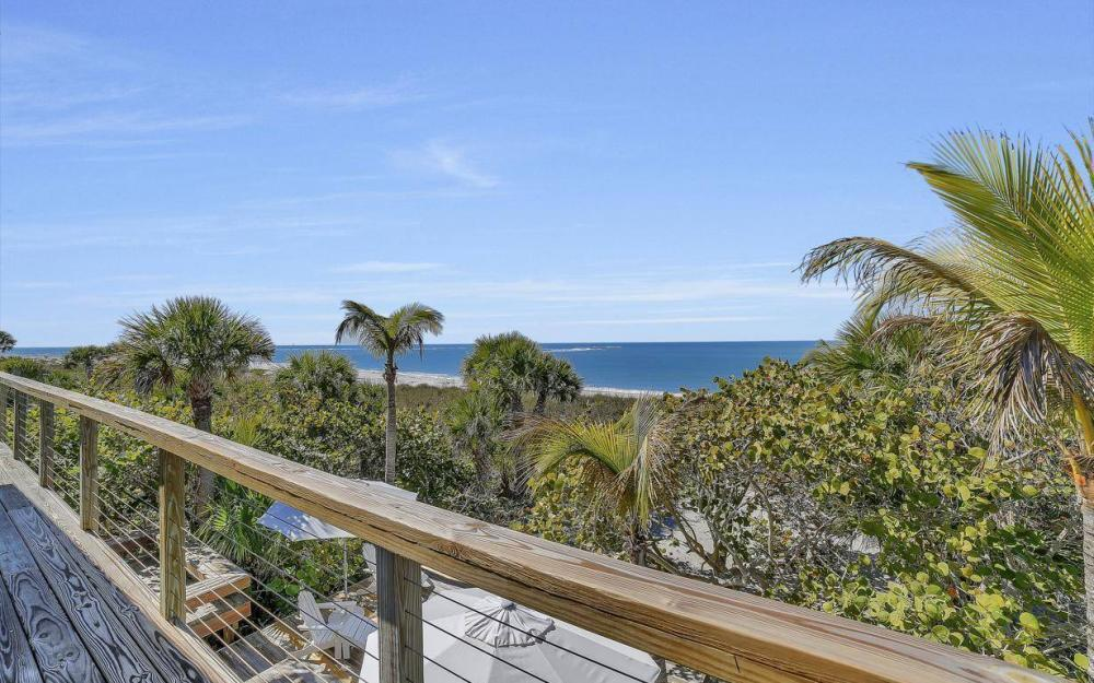 560 Gulf Ln, Captiva - Beach Life Home For Sale 778841471
