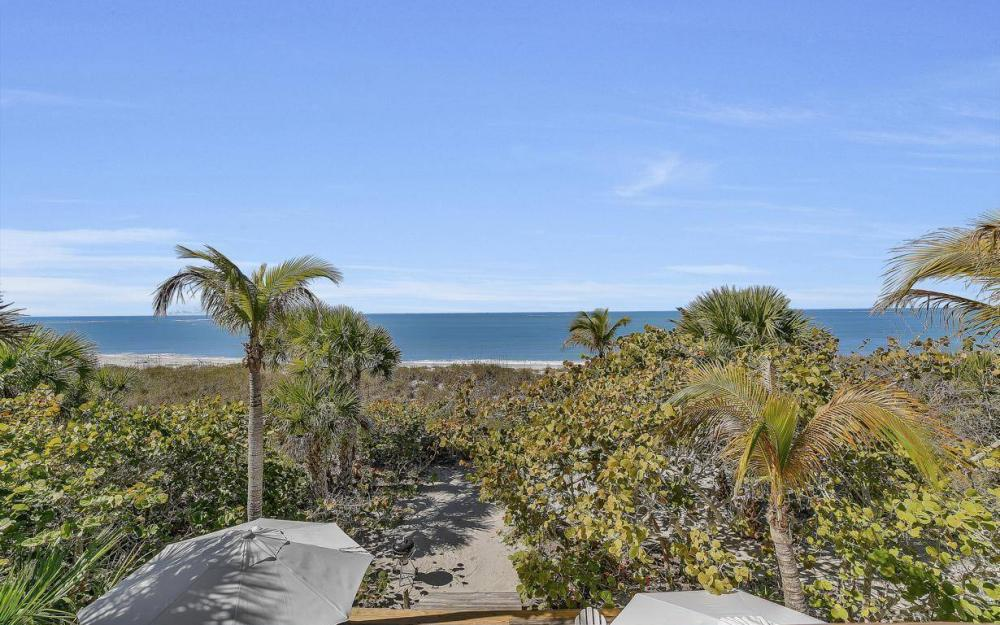 560 Gulf Ln, Captiva - Beach Life Home For Sale 489020037