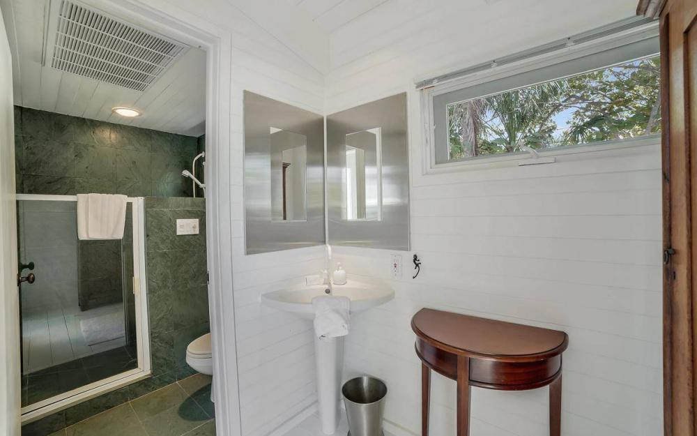 560 Gulf Ln, Captiva - Beach Life Home For Sale 585883879