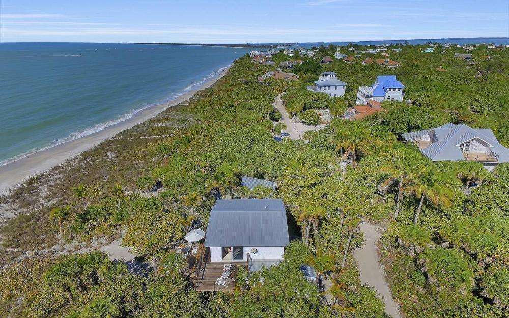 560 Gulf Ln, Captiva - Beach Life Home For Sale 294085509