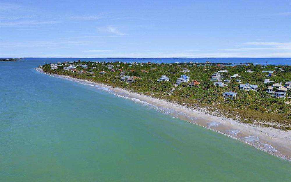 560 Gulf Ln, Captiva - Beach Life Home For Sale 807217189