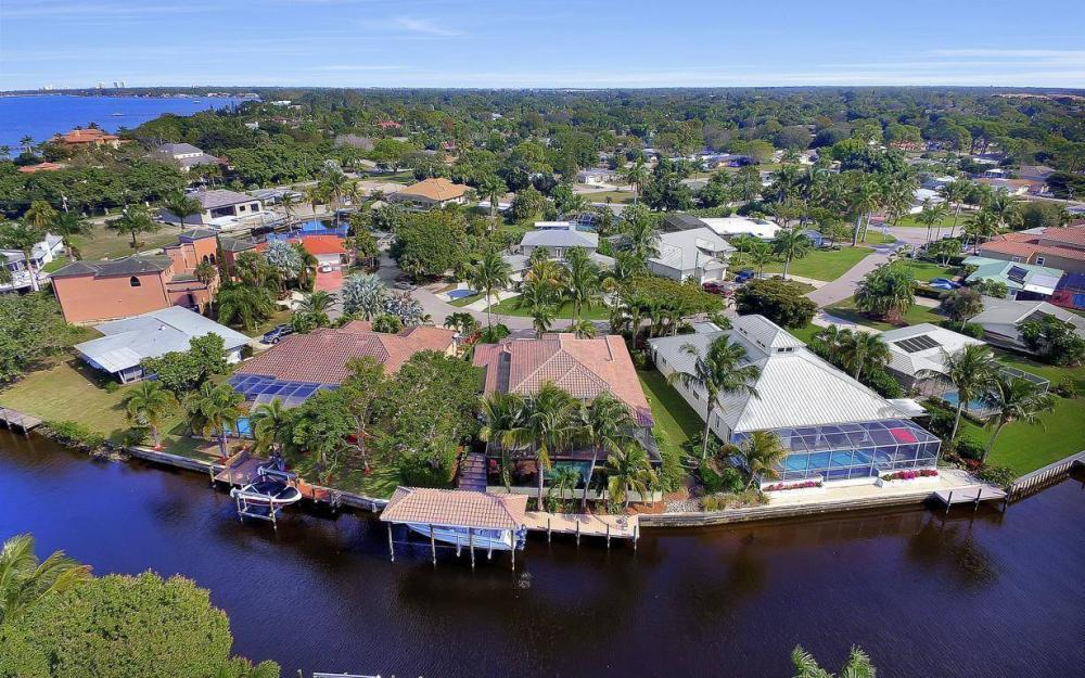 476 Keenan Ct, Fort Myers - Home For Sale 981858489
