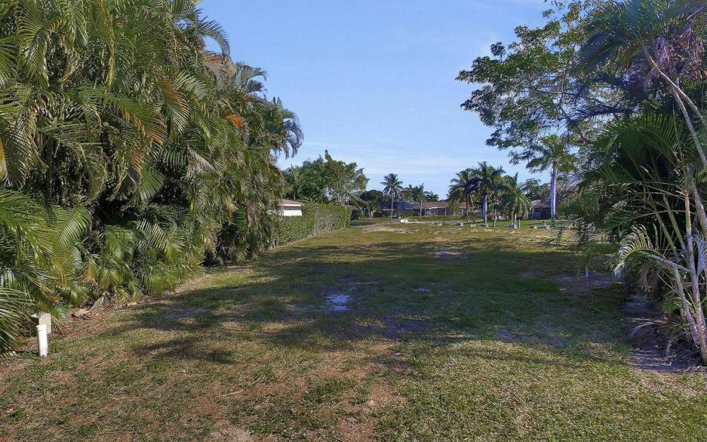 422 Parkway Ct, Fort Myers - Lot For Sale 692154887