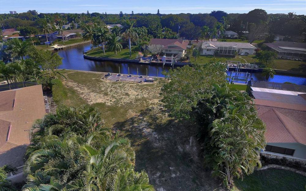 422 Parkway Ct, Fort Myers - Lot For Sale 482376010