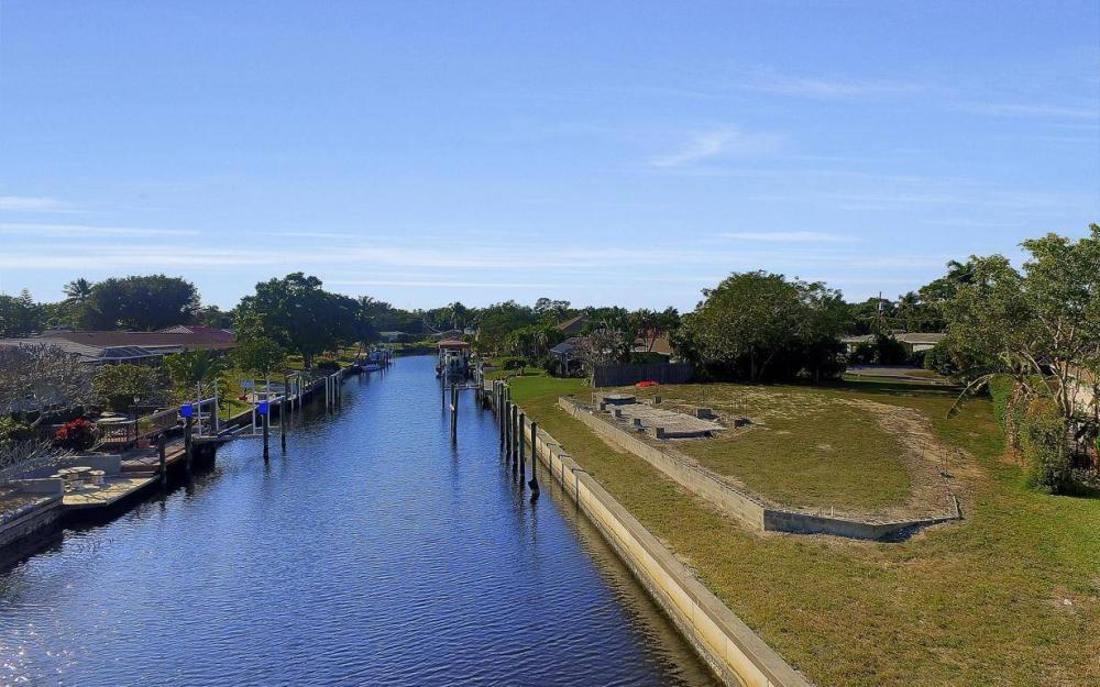 422 Parkway Ct, Fort Myers - Lot For Sale 2009248328