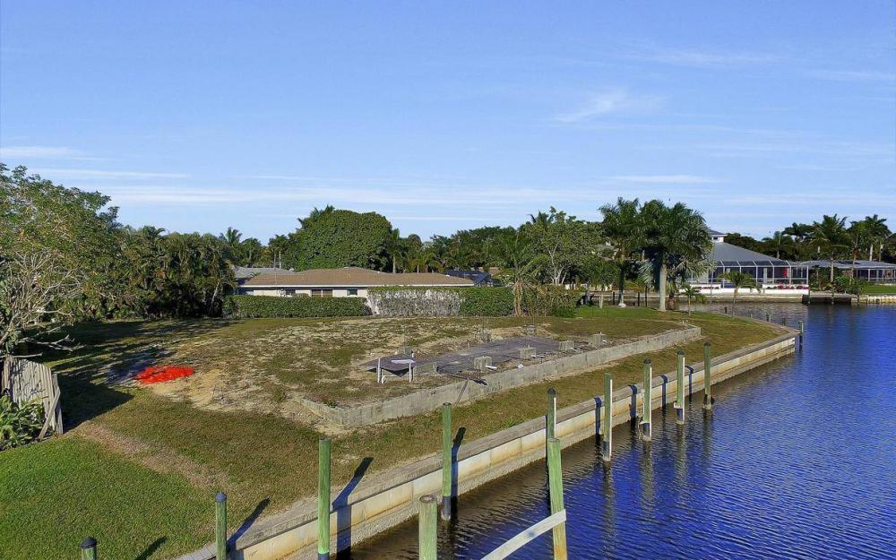 422 Parkway Ct, Fort Myers - Lot For Sale 1362676349