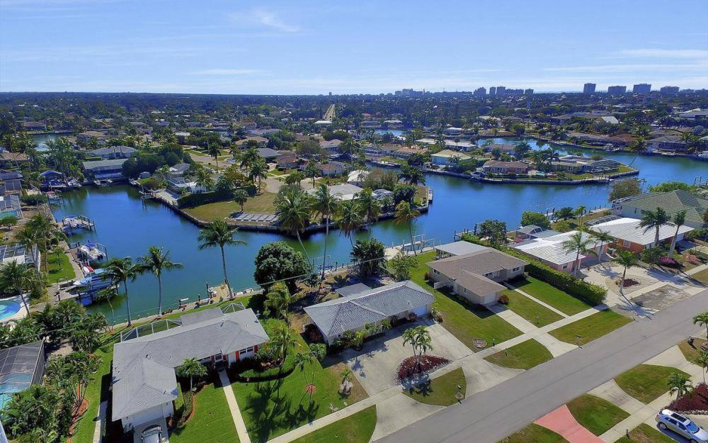 1171 Martinique Ct, Marco Island - Home For Sale 712484515