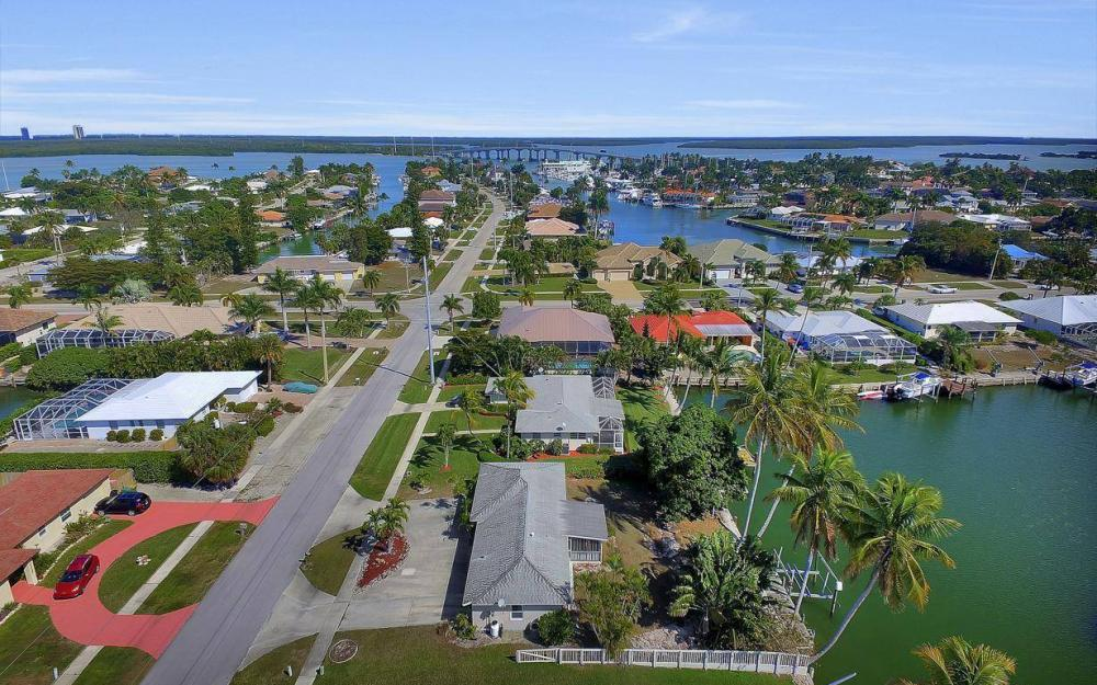 1171 Martinique Ct, Marco Island - Home For Sale 353790503