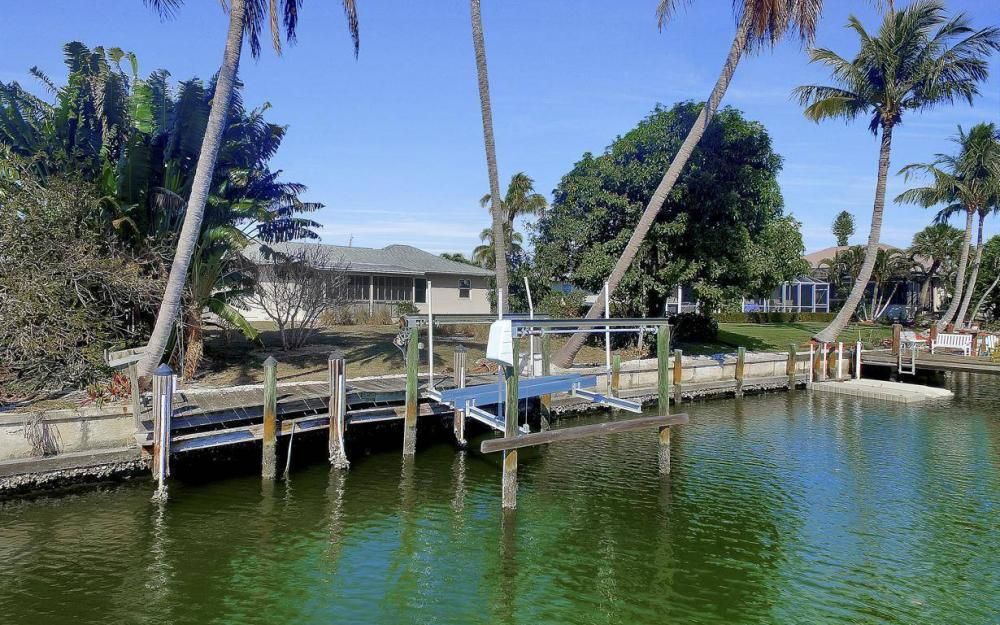 1171 Martinique Ct, Marco Island - Home For Sale 170255465