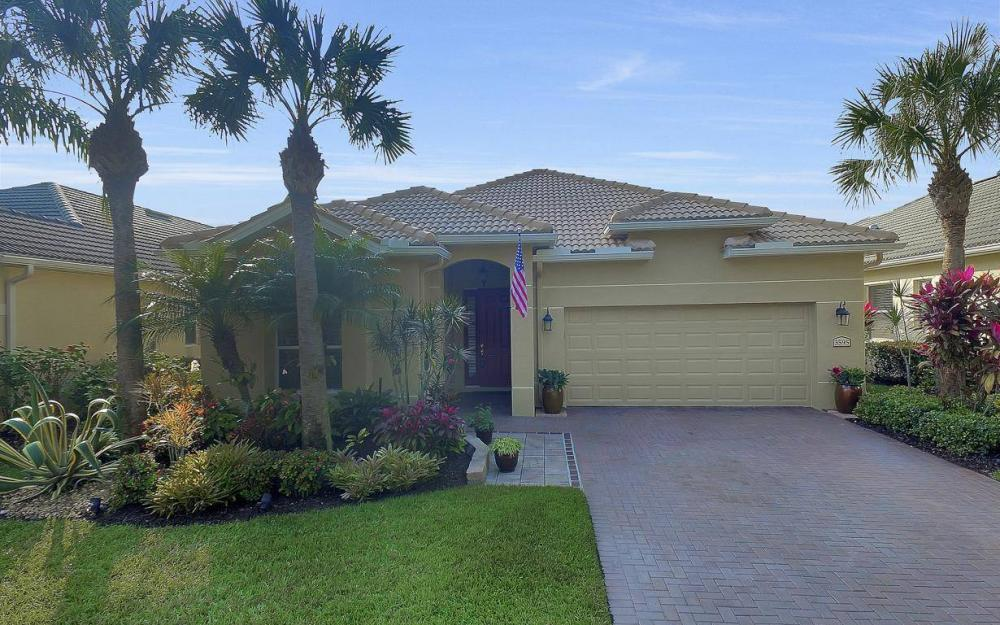 3595 Grand Cypress Dr, Naples - Home For Sale 1939862670