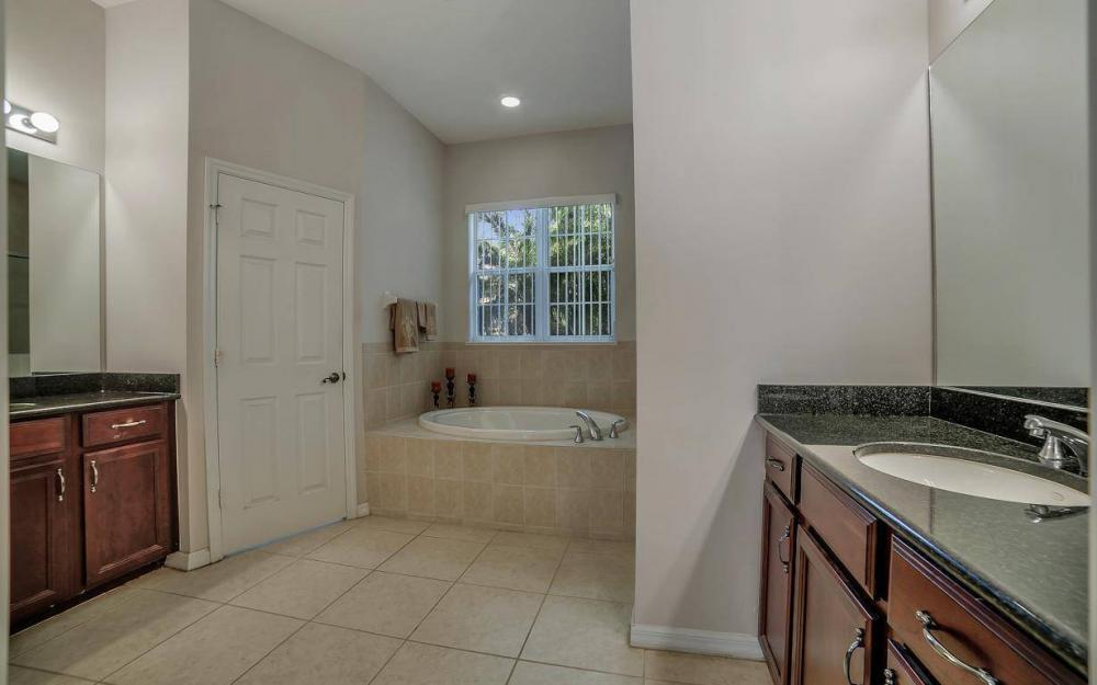 12023 Ledgewood Circle, Fort Myers, FL 33913 1451186635