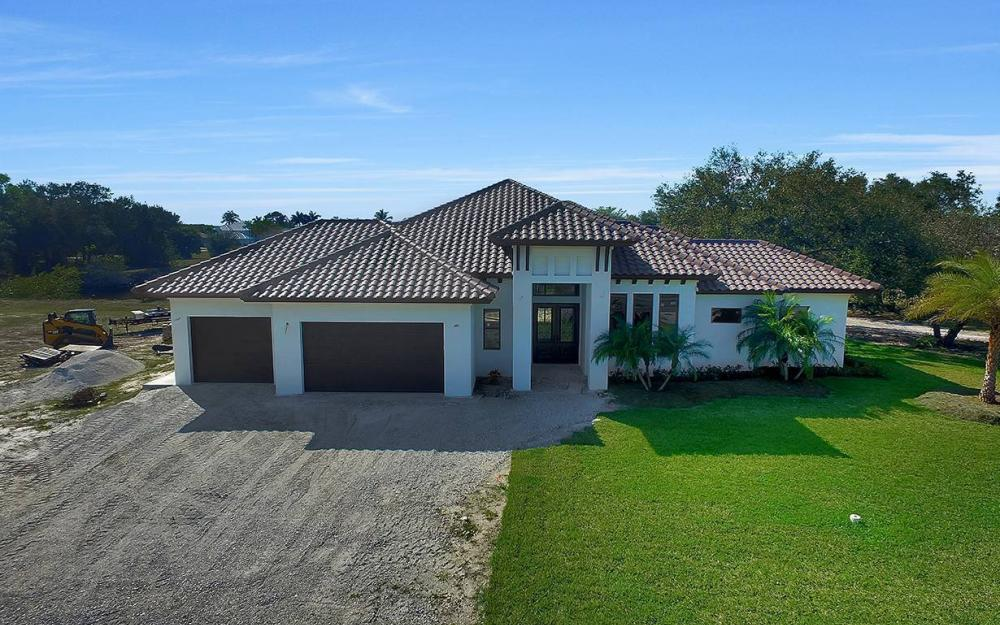 161 Cays Dr, Naples - Waterfront Home For Sale 2024050915