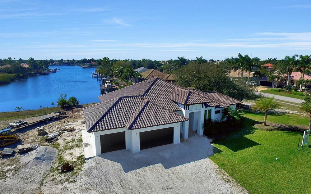 161 Cays Dr, Naples - Waterfront Home For Sale 610554698