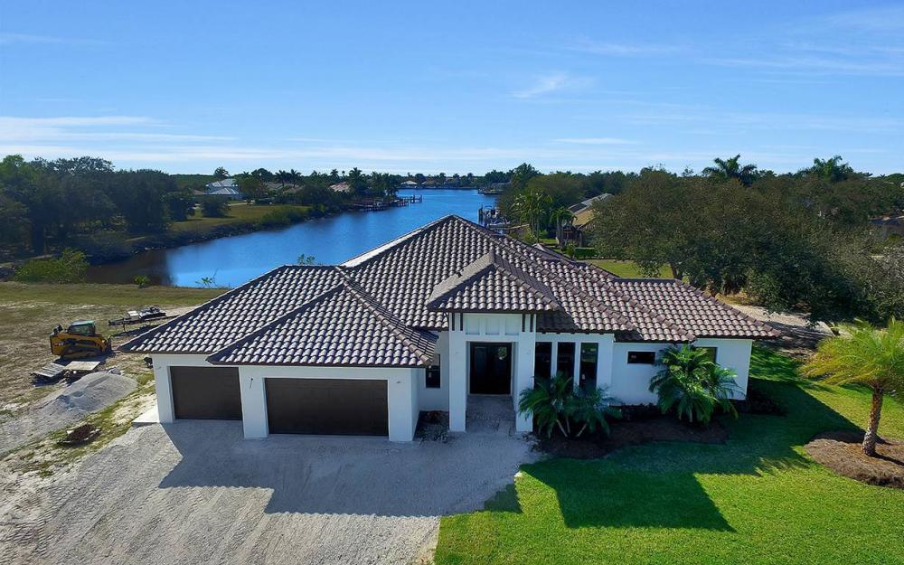 161 Cays Dr, Naples - Waterfront Home For Sale 3419908