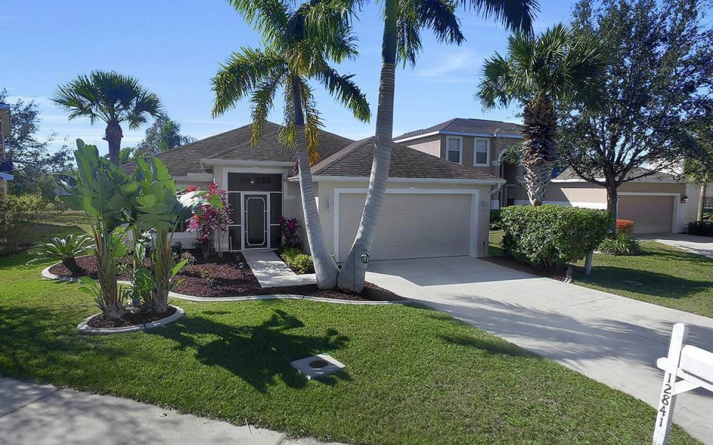 12845 Oakpointe Cir, Fort Myers - Pool Home For Sale 708179176