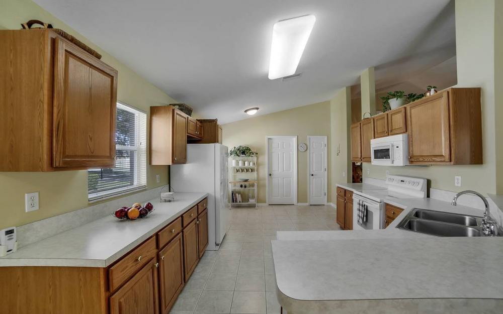 12845 Oakpointe Cir, Fort Myers - Pool Home For Sale 1016397871