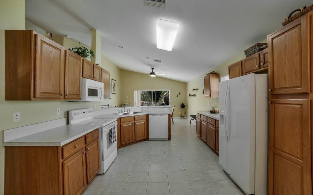 12845 Oakpointe Cir, Fort Myers - Pool Home For Sale 874568577