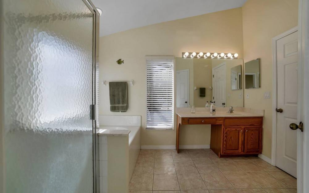 12845 Oakpointe Cir, Fort Myers - Pool Home For Sale 802529293