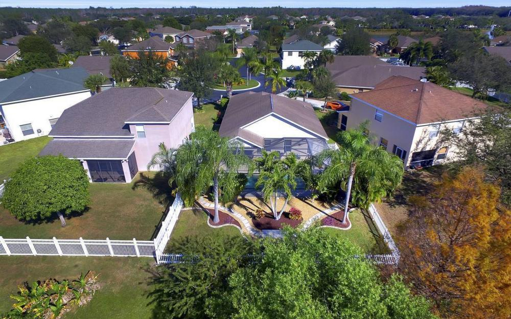 12845 Oakpointe Cir, Fort Myers - Pool Home For Sale 2101410833