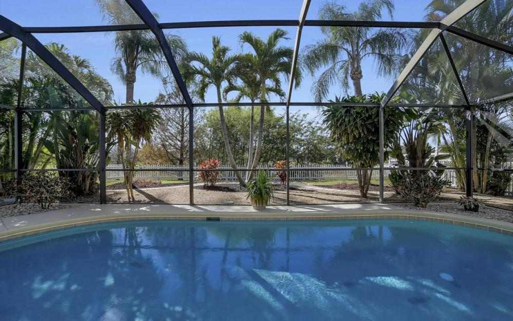 12845 Oakpointe Cir, Fort Myers - Pool Home For Sale 624415143