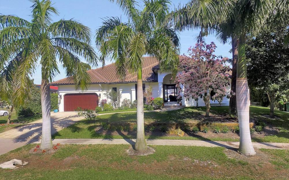 801 Partridge Ct, Marco Island - Waterfront Gulf Access Home For Sale 818069688