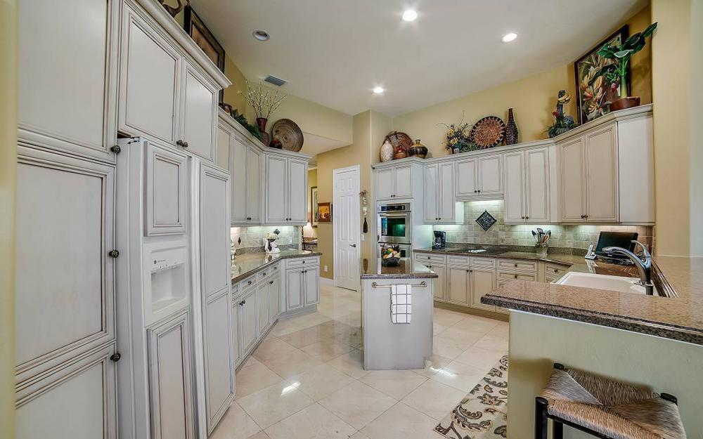 23660 Peppermill Ct, Bonita Springs - Waterfront Home For Sale 1950019759