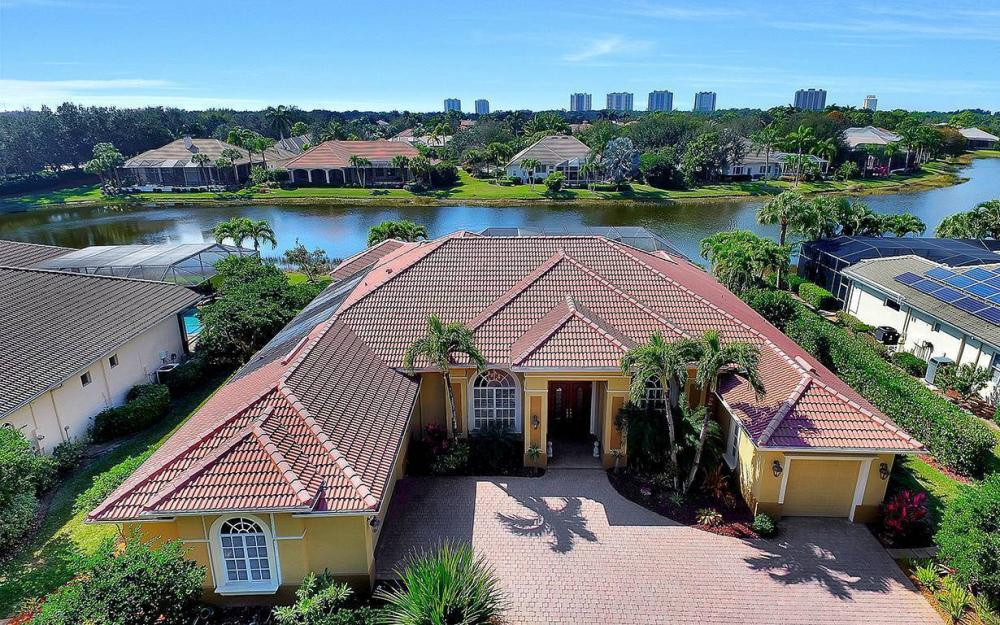 23660 Peppermill Ct, Bonita Springs - Waterfront Home For Sale 658200592