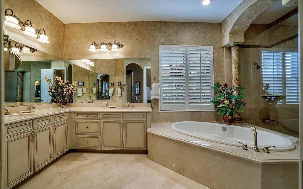 23660 Peppermill Ct, Bonita Springs - Waterfront Home For Sale 554321599