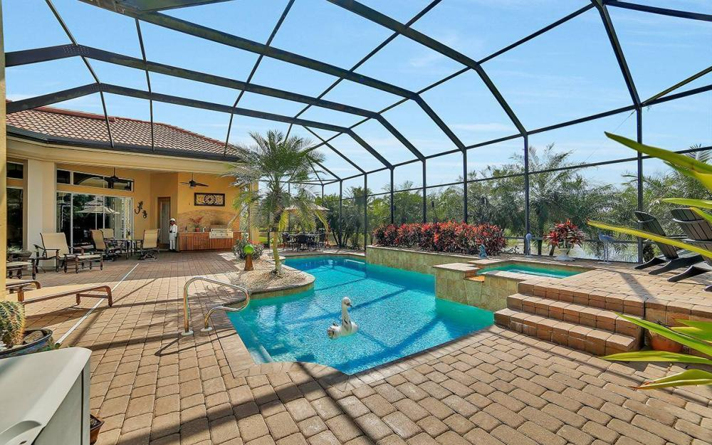 23660 Peppermill Ct, Bonita Springs - Waterfront Home For Sale 1106092472