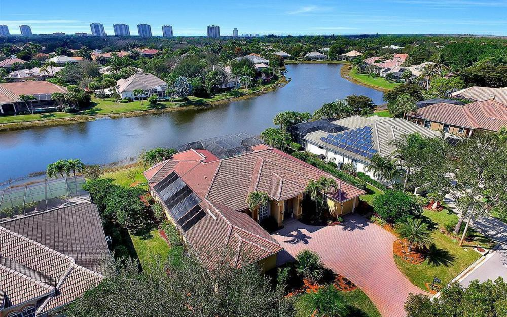 23660 Peppermill Ct, Bonita Springs - Waterfront Home For Sale 1163103427