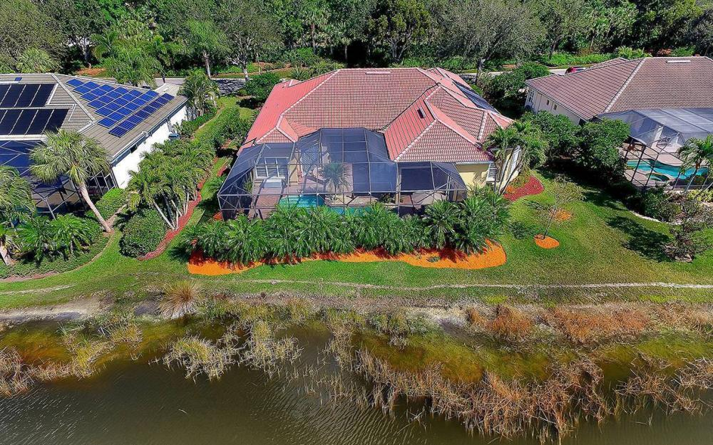 23660 Peppermill Ct, Bonita Springs - Waterfront Home For Sale 239214413
