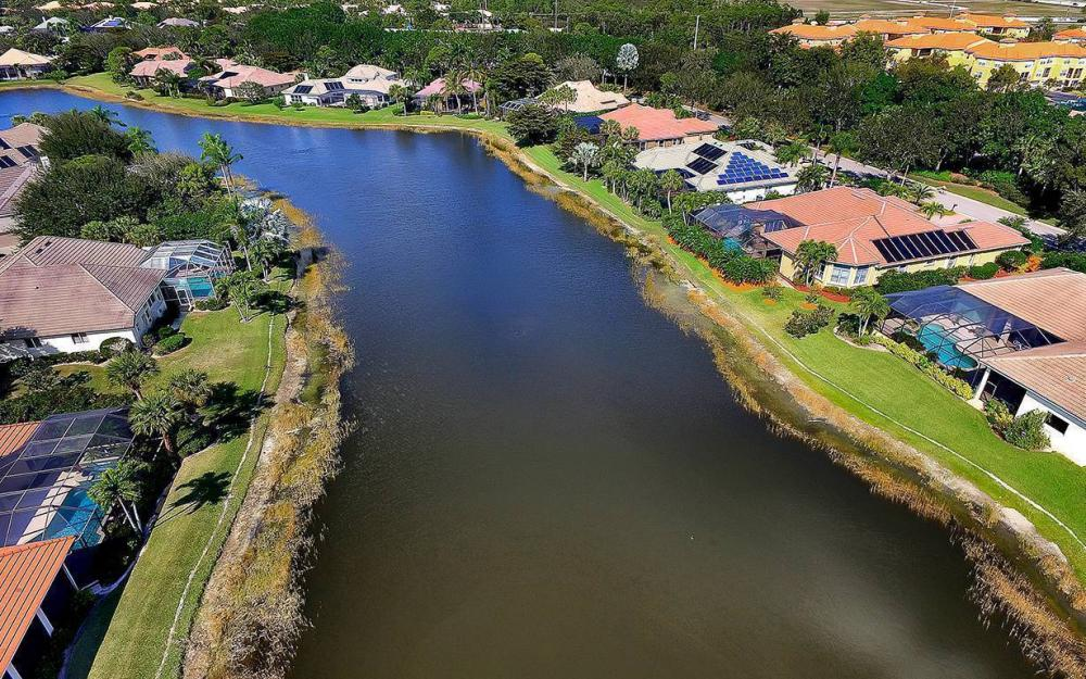 23660 Peppermill Ct, Bonita Springs - Waterfront Home For Sale 444416717