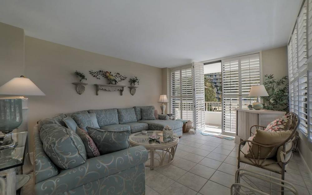 440 Seaview Ct #111, Marco Island - Condo For Sale 1749637295