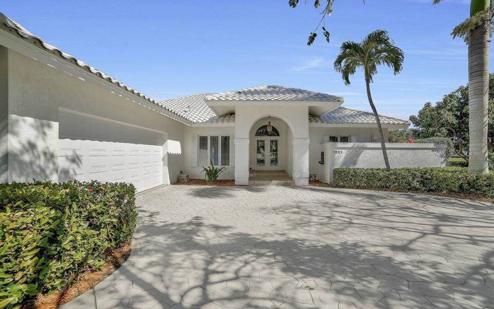 1021 E Inlet Dr, Marco Island - Home For Sale 778084174