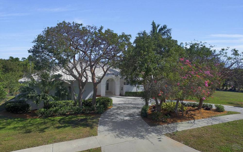 1021 E Inlet Dr, Marco Island - Home For Sale 2019428531