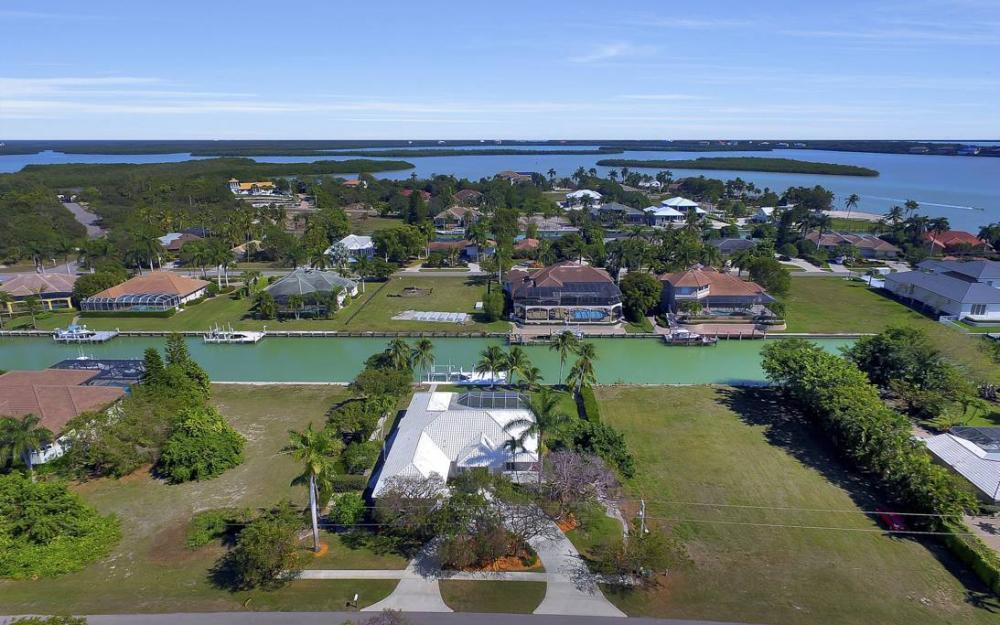 1021 E Inlet Dr, Marco Island - Home For Sale 1184000284