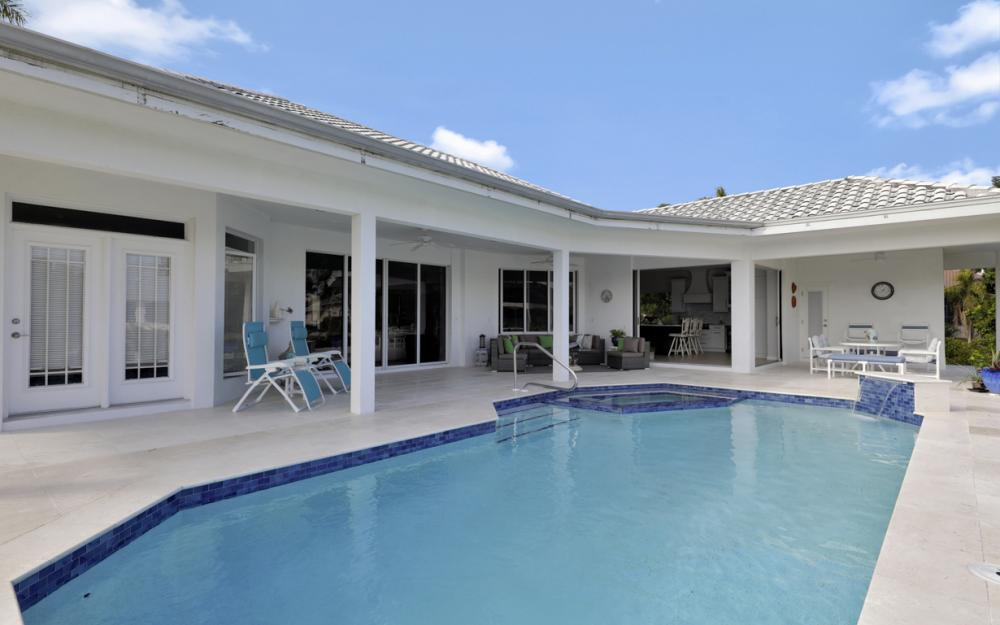 1021 E Inlet Dr, Marco Island - Home For Sale 278574932