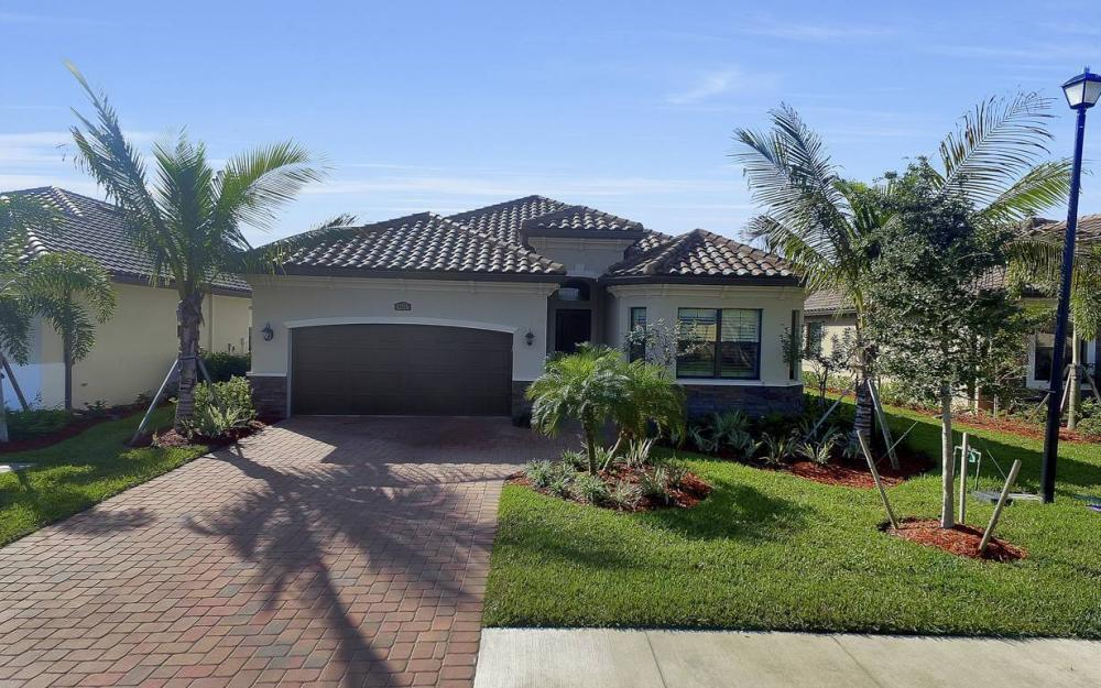 12716 Kinross Ln, Naples - Home For Sale 1562356337