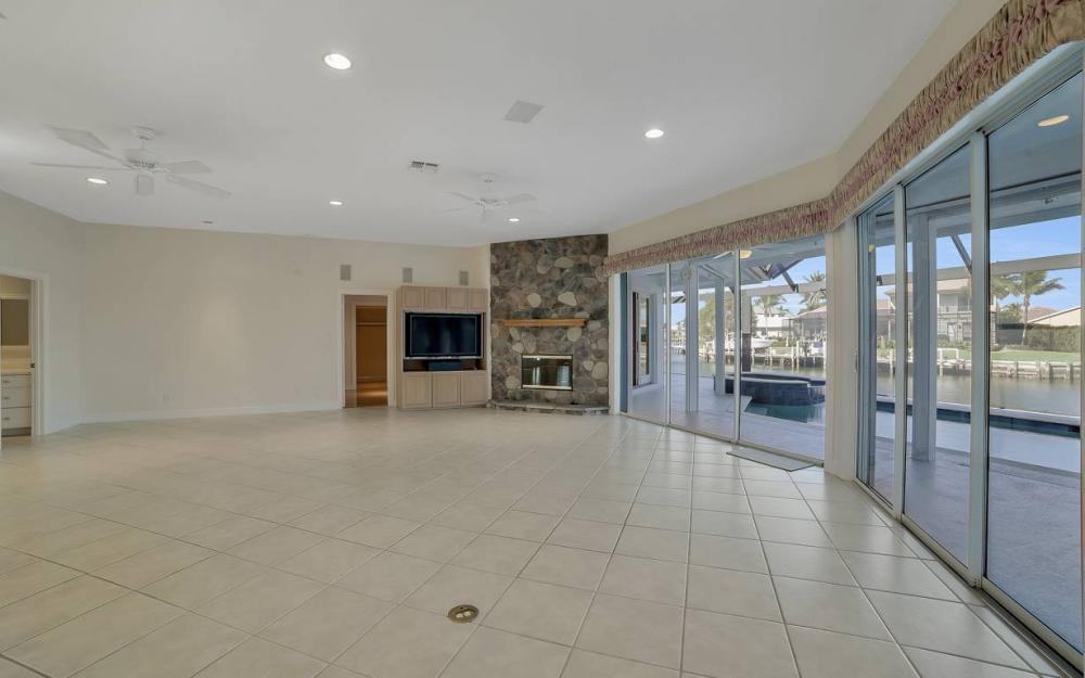 60 Covewood Ct, Marco Island - Gulf Access Waterfront Home For Sale 724742654