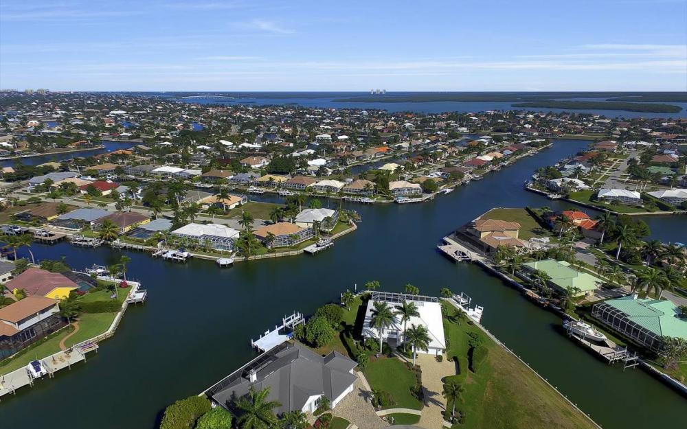 60 Covewood Ct, Marco Island - Gulf Access Waterfront Home For Sale 296852854