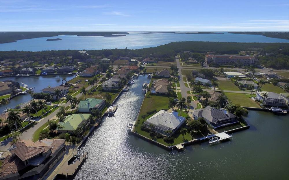 60 Covewood Ct, Marco Island - Gulf Access Waterfront Home For Sale 476736586