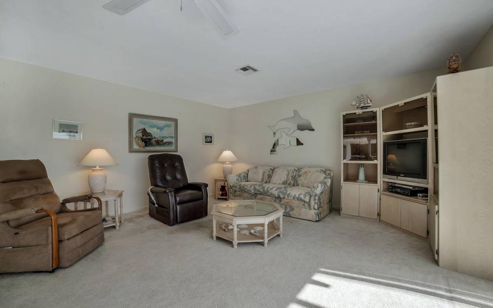 685 Cameo Ct, Marco Island - Waterfront Gulf Access Home For Sale 1513749081