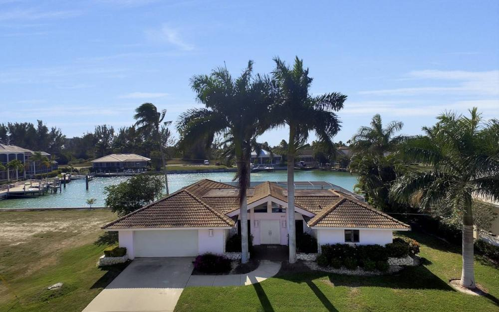 685 Cameo Ct, Marco Island - Waterfront Gulf Access Home For Sale 634270153